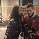 Steven Tyler sang a song with a street musician in Moscow